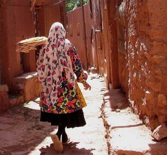 ABYANEH LADY WITH BRAD