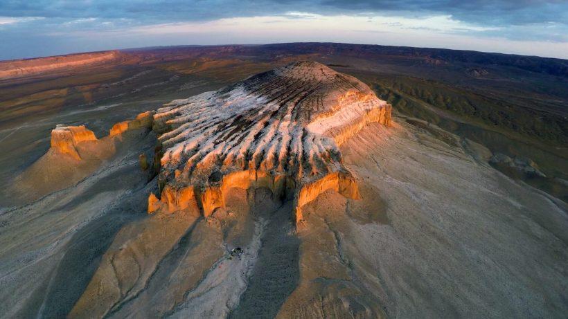 mount-Bozhira-Kazakhstan-Mangistau